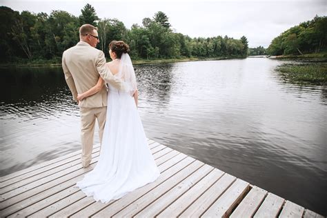 Hunstville Ontario wedding   Huntsville Ontario cottage