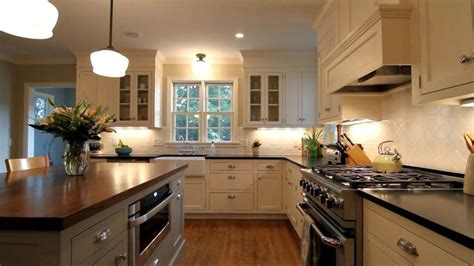 country kitchen highland park 1000 ideas about center colonial on
