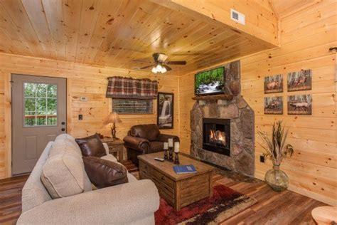 Smokey Mountain House Rentals by Smoky Mountain Treehouse A Gatlinburg Cabin Rental