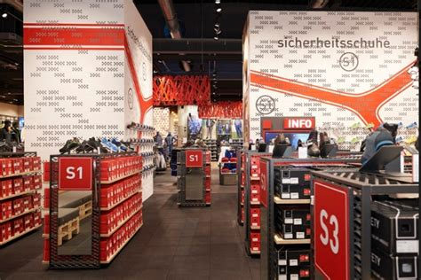 product presentation 187 retail design blog retail design blog