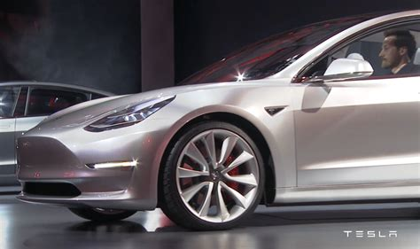 tesla model 3 zahlen tesla fans explain why they shelled out 1 000 to reserve