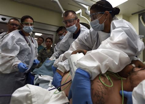 Emergency Room Houston by Air Army Team Save Lives At The Dod S Only Level 1
