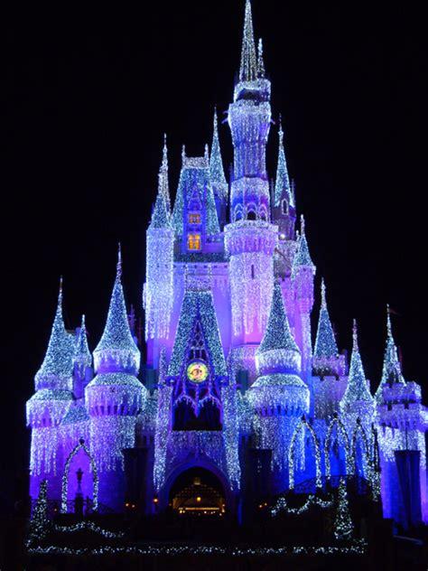 Castle Lights On Wdwmagic Unofficial Walt Disney World Disney World Castle Lights