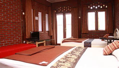 Bantal Di Bandung villa bantal guling bandung booking dan cek info hotel