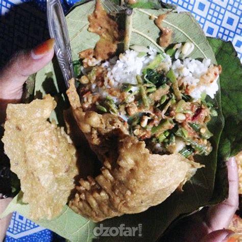 kuliner nganjuk nasi pecel godhong jati mbok jimur