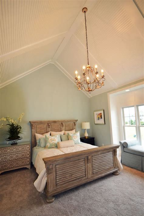 vaulted bedroom best 25 cathedral ceiling bedroom ideas on pinterest