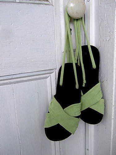 Sandal Wedges Tali Slop Sol Karet Wg06 daripada buat ganjal pintu doang 12 kreasi menyulap sandal jepit ini layak kamu tiru