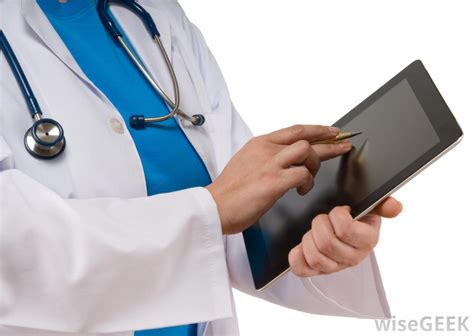 Doctor Records What Is An Electronic Patient Record With Pictures