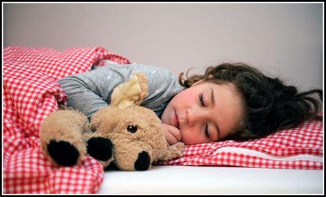 baby will nicht im eigenen bett schlafen will nicht mehr im eigenen bett schlafen betten