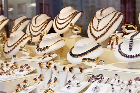 jewelry business 10 essential tips on how to start a jewelry business