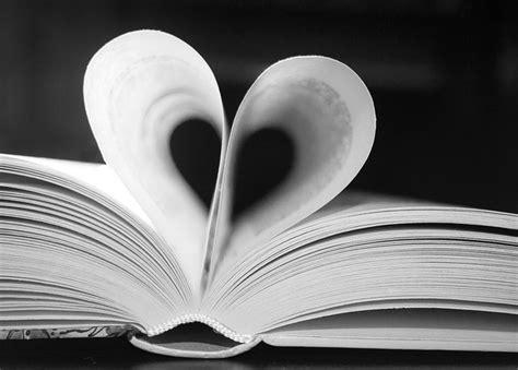 libro a heart so white free photo book black white heart love free image on pixabay 623163