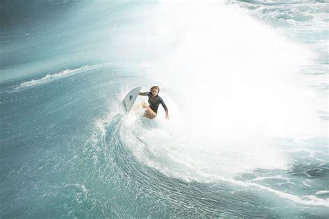 wallpaper  shallows blake lively nancy surfer hd