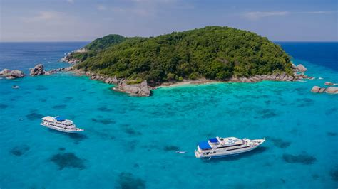 boats ylands similan islands dive sites the best diving in thailand