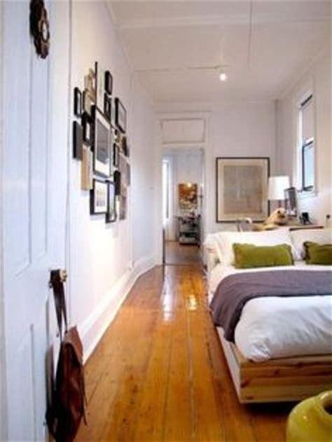 arrange furniture   long narrow bedroom  ideas