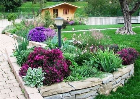 creare aiuole in giardino giardini aiuole giardinaggio aiuole nei giardini