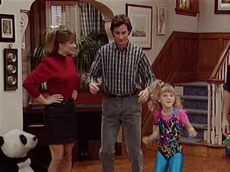 why was full house cancelled full house returning to tv all the deets on sequel series here perezhilton com