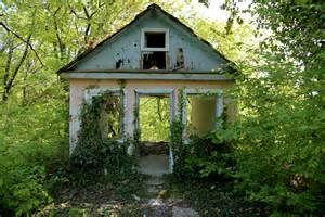 old abandoned houses competitions massacre publishing