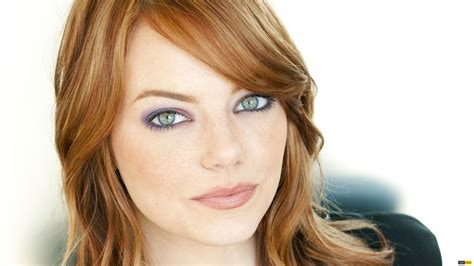 actress with red hair green eyes women actress redheads emma stone green eyes faces