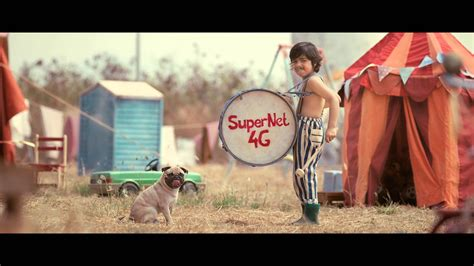 pugs and drummers pug drums a beat ad vodafone supernet 4g
