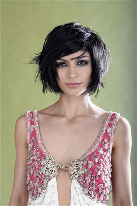 will a short haircut make my hair thicker short hairstyles for thick hair designinglifenhappenings