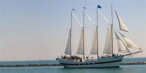 day boat cruise chicago tall ship windy of chicago tickets save up to 45 off