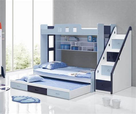 choosing   bunk beds  stairs   children
