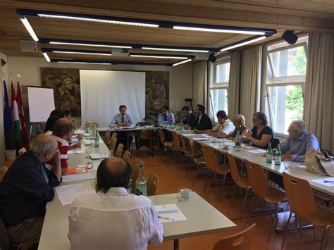 consolato italiano a losanna l ambasciatore marco panta riunisce i consoli e le