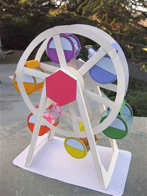How To Make Paper Wheels - wheel o peeps paper ferris wheel made for the knittycat