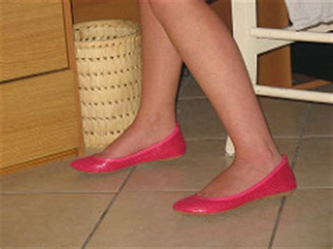 Sticking A Foot Into The Toe Cleavage Debate by The World S Most Recently Posted Photos Of Cleavage And