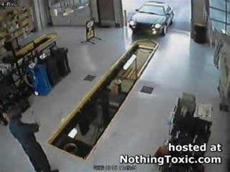 Shop Pit Car Drives In Service Pit