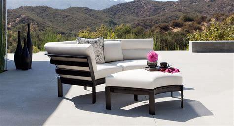 Patio Things Parkway Curvilinear By Brown Jordan Brown Outdoor Furniture