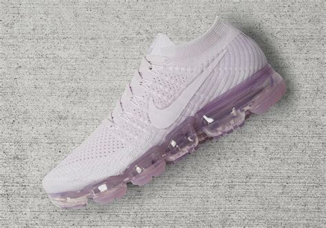Nike Vapor Max Day To nike vapormax womens pink blue