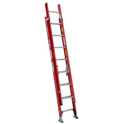 werner 32 ft aluminum d rung extension ladder with 300 lb load capacity type ia duty rating
