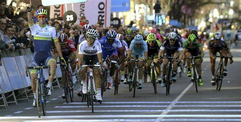 la vuelta a la eh bildu califica de despilfarro incomprensible la etapa de la vuelta ciclista a espa 241 a en