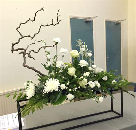 Green Leaf Renzo Basket 383 flower arrangement winter of 64 flowers cineraria
