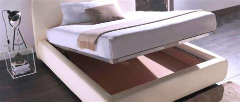 come arredare un letto matrimoniale letti su misura