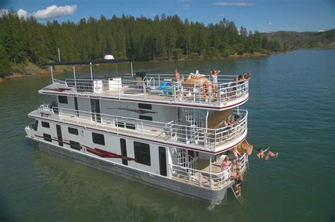 shasta lake house boats houses and mansions and castles on pinterest houseboats the oc and propane tanks