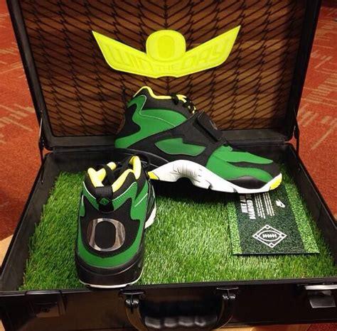 oregon ducks football shoes oregon ducks nike football cleats