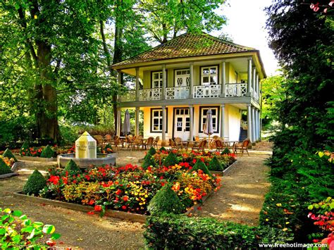 Gardening Beautiful House Garden Pictures House Beautiful House With Flower Garden