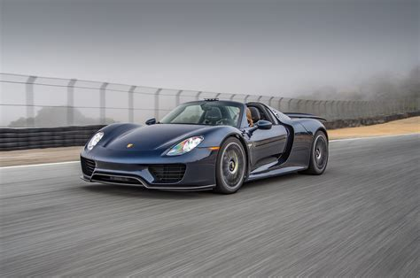 porsche 918 front 2015 porsche 918 spyder front three quarter in motion 03