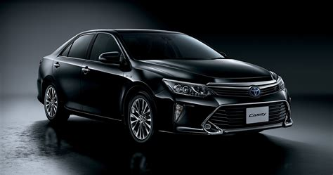 is toyota japanese 2015 toyota camry gets led headlights and woodgrain trim