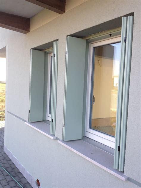 davanzali alluminio foto finestre con davanzale in alluminio con taglio