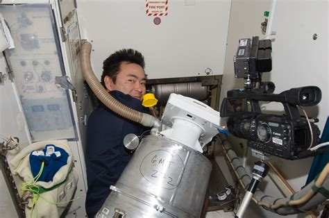 How Do Astronauts Use The Bathroom by Astronaut Bathroom In Space Pics About Space