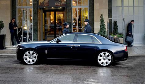 roll royce london chauffeured car hire london rolls royce ghost llc cars