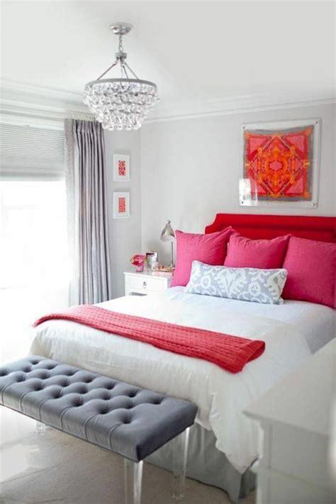schlafzimmer mit kronleuchter schlafzimmer dekorieren gestalten sie ihre wohlf 252 hloase