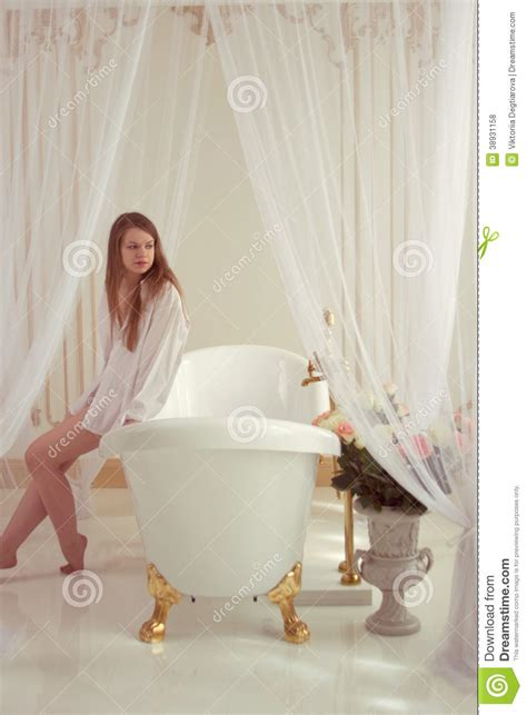 man and woman in bathroom women and men in bath www imgkid com the image kid has it
