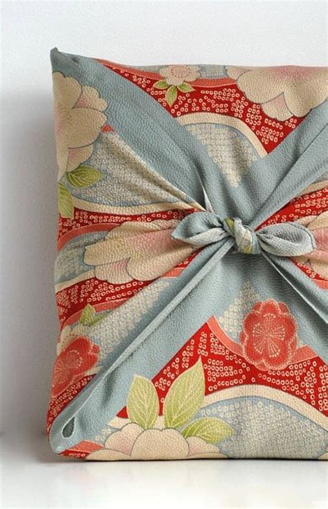 japanese gift wrapping cloth an artistic and eco friendly gift wrapping idea furoshiki