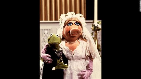 miss piggy and kermit wedding kermit the frog there s no new pig in my cnn