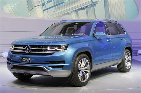 volkswagen suv 3 rows volkswagen crossblue previews a three row future diesel