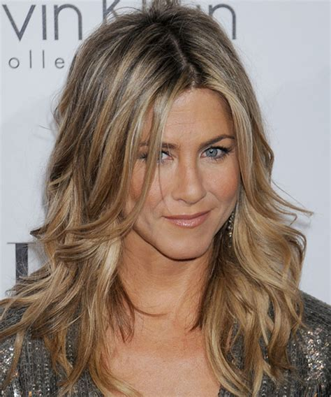 jen aniston hairstyles this is how aniston gets hair so glossy stellar